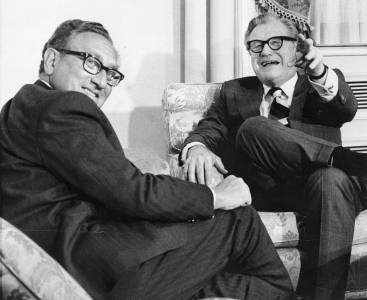 Nelson_Rockefeller_with_Henry_Kissinger_January_3,_1975